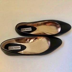Steve Madden Ibiza Leather Black Pointed Flat